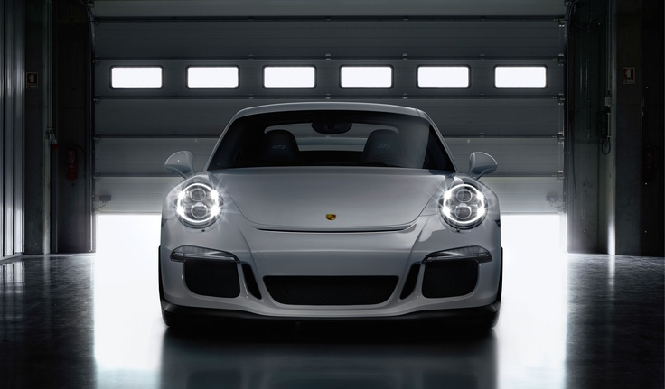 #Porsche #911 #GT3: Bi-Xenon headlights are fitted as standard in the new 911 GT3. Their design is reminiscent of Porsche motorsport classics. Sleek direction indicators, daytime running lights and position lights boasting LED technology create that contemporary contrast. Learn more: http://link.porsche.com/gt3?pc=99181PINGA  Combined fuel consumption in accordance with EU 5: 12,4 l/100km, CO2 emissions: 289 g/km