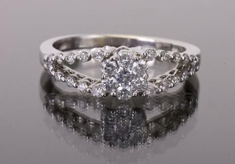Buy Engagement Rings - Posh Pawn