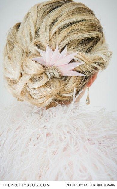 Bijou de cheveux esprit Art Déco - Bijoux de cheveux: Kays Antiques - Crédit Photo: Lauren Kriedemann - La Fiancée du Panda blog Mariage et Lifestyle
