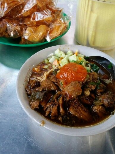 The most delicious food in indonesia.. Mie Ayam..