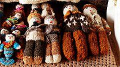 artesana Chilota en lanas (Homayra Oyarce G.) Tags: chile artesania chiloe surdechile lanas regindeloslagos islagrandedechiloe lumixfz200 artesaniadechiloe artesanaenlanas