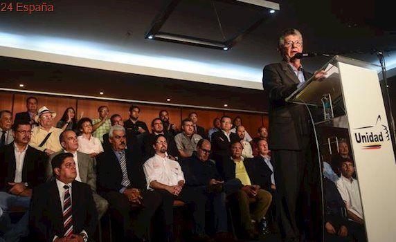 """La oposición venezolana hace público su programa de gobierno ante el """"cambio inminente"""""""