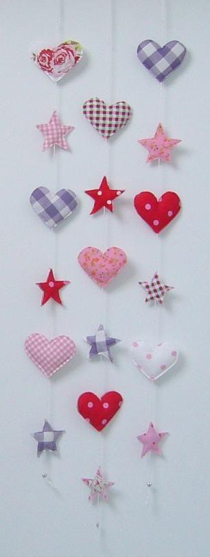 Stoffen slingers van harten en sterren
