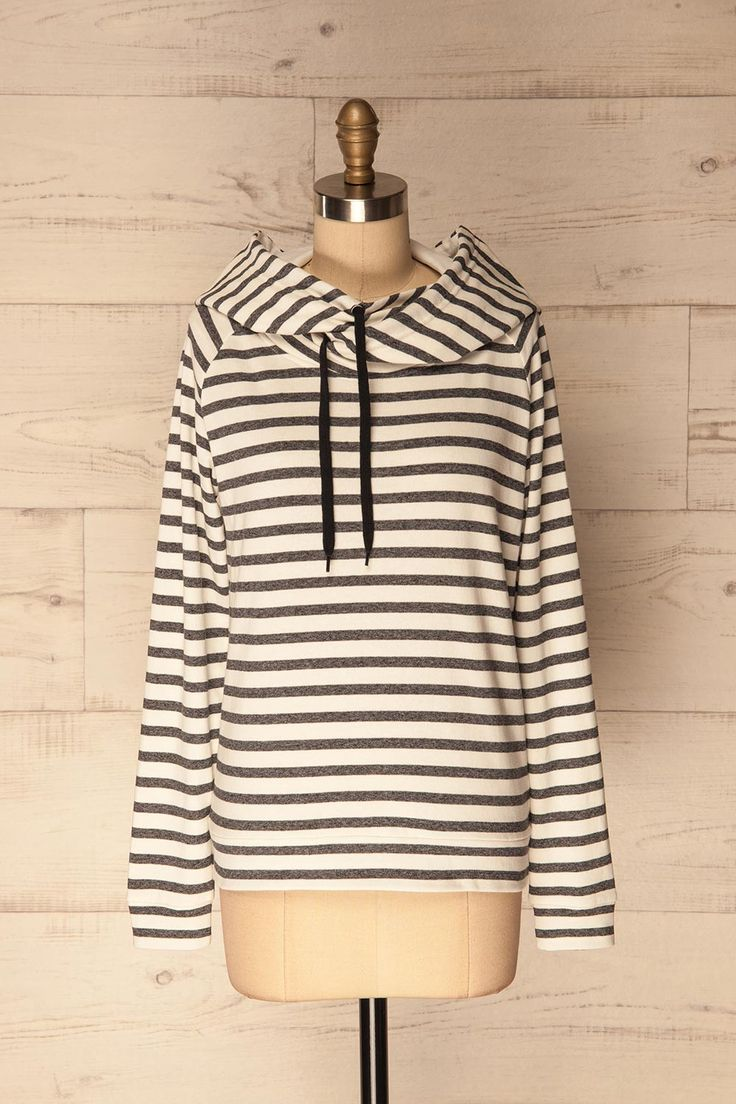 Mulazzo Orage - #Boutique1861 / Around a camp fire or during a springtime shopping spree, this sporty and feminine looking sweater will keep you warm and confortable. A perfect match with any pair of jeans!