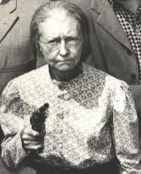 """Daisy """"Granny"""" Moses (Irene Ryan). She died of an inoperable brain tumor at age 70."""