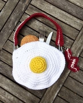 Handtasche Bacon & Eggs - Häkelanleitung via Makerist.de