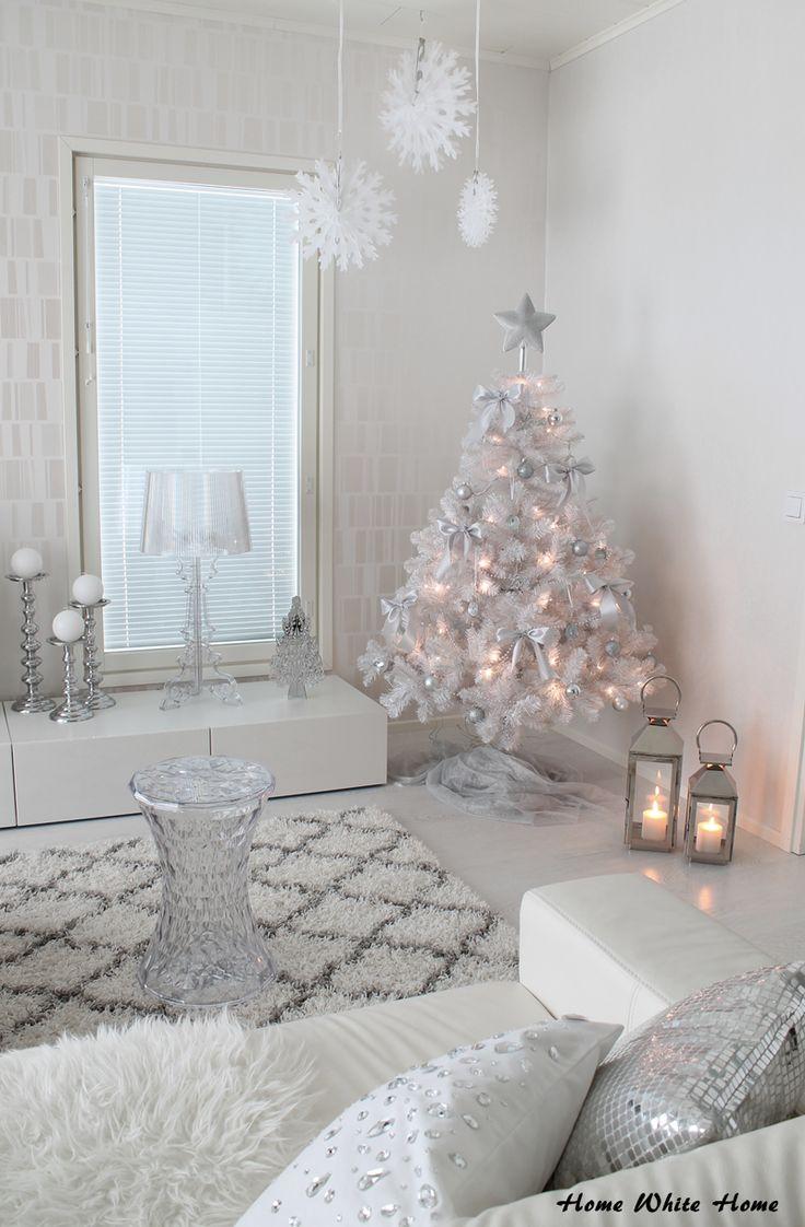 White Christmastree - Home White Home -blog