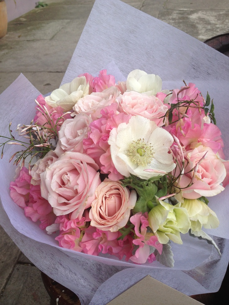 posy with roses, lisianthus and sweetpeas- dusty miller designs