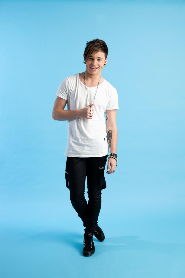 Reece Mastin wants to know if breaking up on Facebook is OK or XTL? Repin if you think it's XTL. http://www.thehothits.com/news/37471/reece-mastin-plays-xtl---is-breaking-up-with-someone-on-facebook-ok-