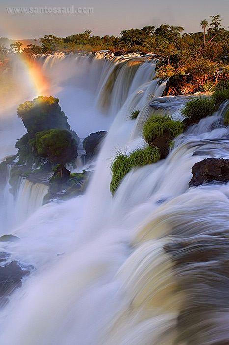 25 Adorable and Breathtaking Places Around the World - Iguazu Falls, Argentina –…
