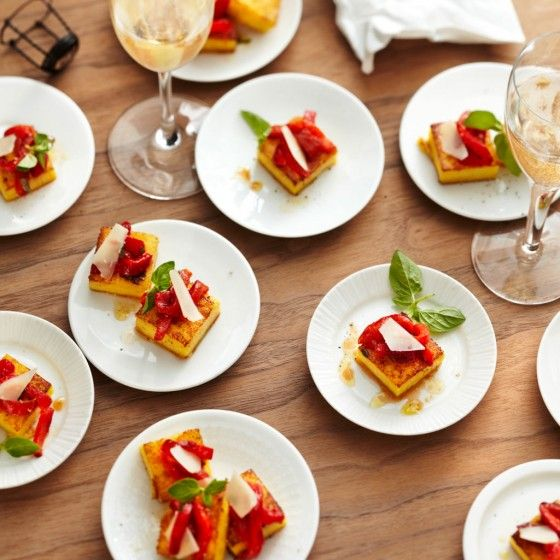 ESSEN & TRINKEN - Polenta-Schnitten mit gerösteter Paprika Rezept