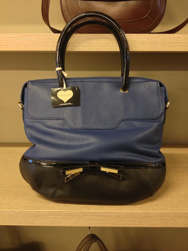 Сумка Twin-Set Simona Barbieri  Новая коллекция !!! (весна-лето 2013) !!!  Цена: € 98 (была € 128)    Заказывай на www.pochtamia.com