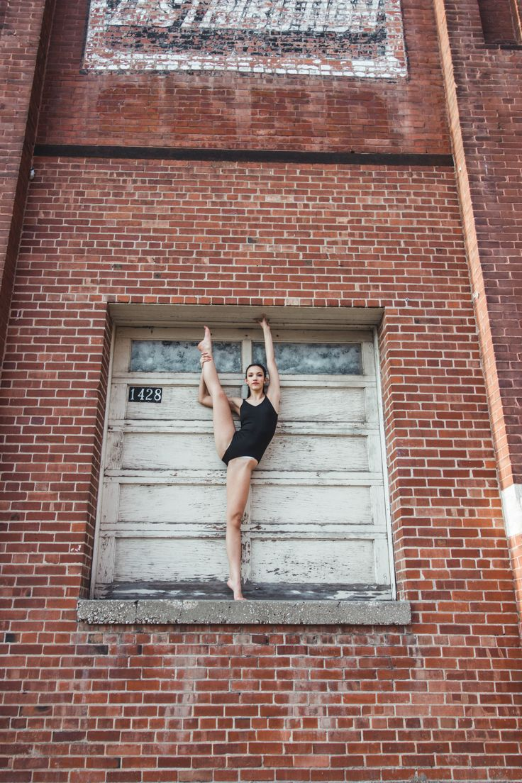 outdoor photography, natural light, urban photography, urban photo shoot, Senior Photo, dancer, dance Photography