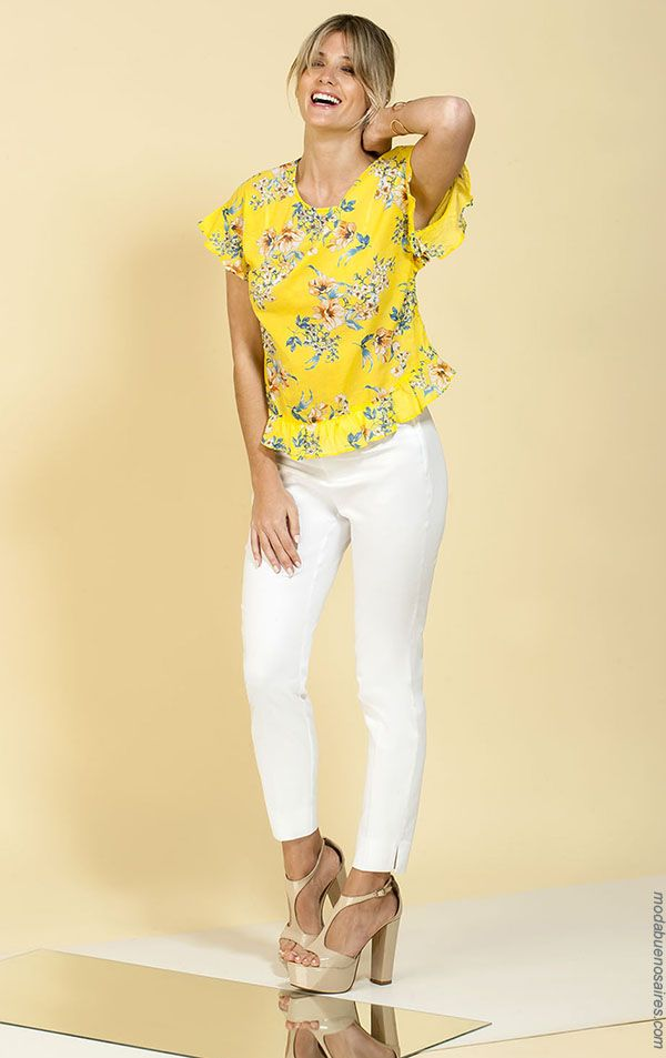 f0ccdbc46e MODA - Looks de moda primavera verano para mujer. Moda 2018 blusas  estampadas con volados.