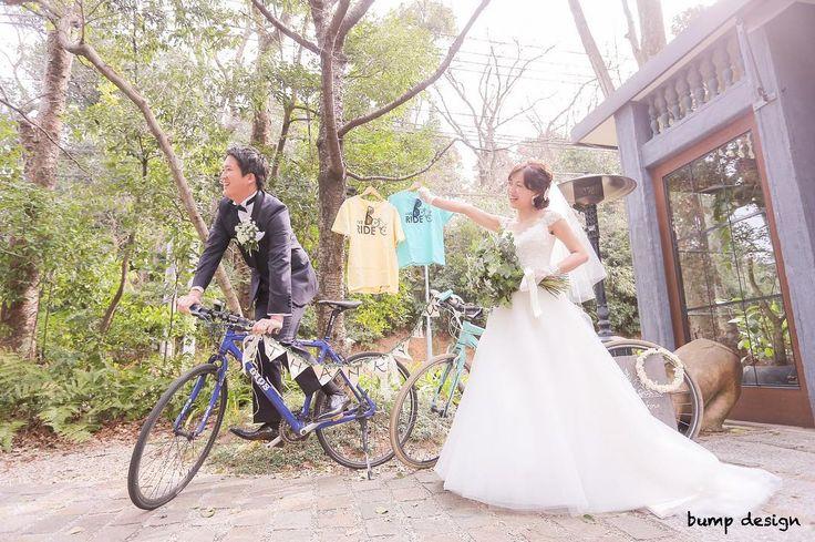 #自転車  お二人の共通の趣味は自転車  どこに行く時も2人で自転車に乗って移動するのが当たり前ってぐらい自転車を愛してて2人を語る上で自転車はなくてはならない存在  こんなカッコいい自転車見てると僕も本格的なやつが欲しくなってきてしまう笑  ほんと似合うなぁ  #結婚#結婚式#結婚写真#ブライダル#ウェディング#wedding#前撮り#ロケーション前撮り#ドレス#カメラマン#結婚式カメラマン#ブライダルカメラマン#写真家#結婚式準備#花嫁準備#花嫁#プレ花嫁#プロポーズ#名古屋結婚式#ウェディングドレス#バンプデザイン#bumpdesign#instagramwedding#instagramjapan#イトウスグル#IGersJP#写真好きな人と繋がりたい #ファインダー越しの私の世界#日本中のプレ花嫁さんと繋がりたい