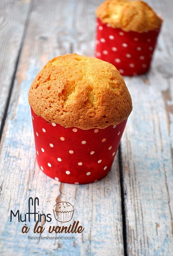 Voici une recette de muffins à la vanille que vous pouvez aromatiser ou agrémenter à votre goût (pépites de chocolat, fruits rouges, fruits confits...) vous pouvez également l'utiliser comme base pour vos cupcakes.. La recette: 4 oeufs 200g de sucre 200g...