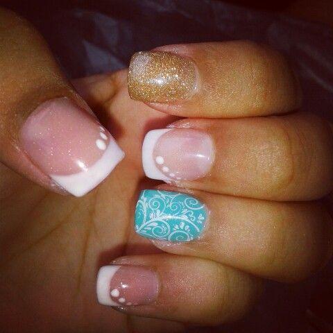 Menta & white nails