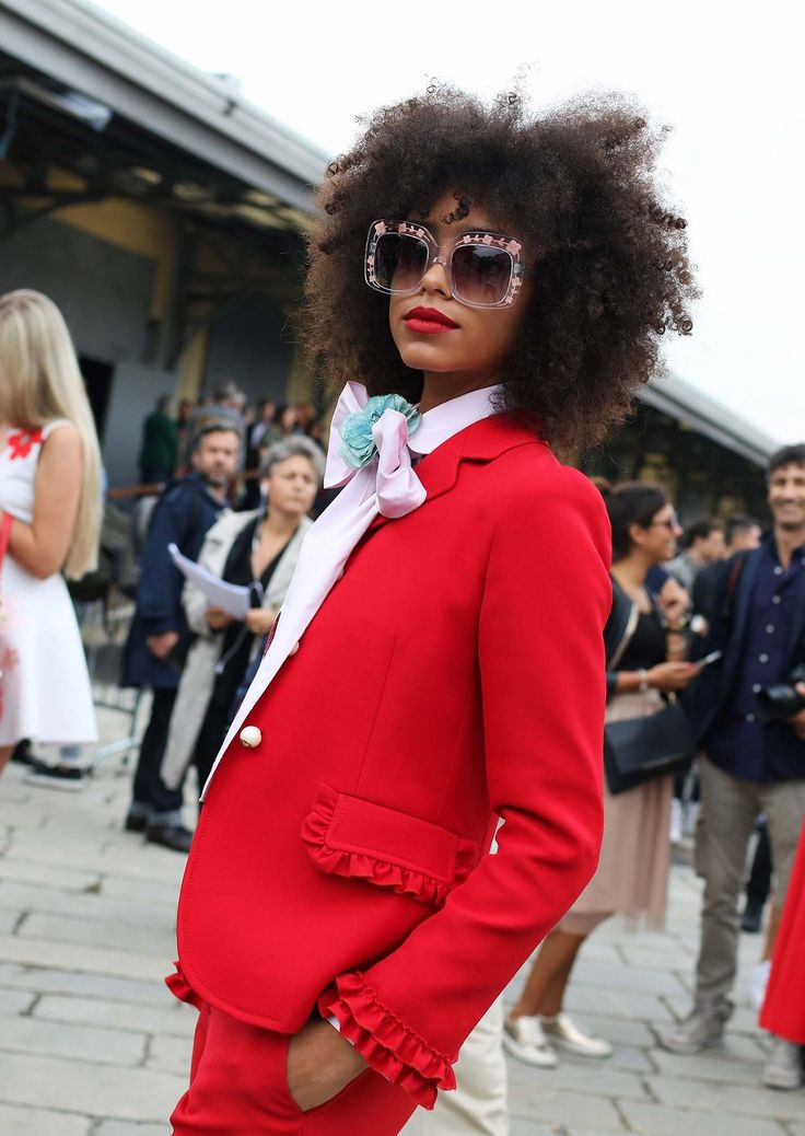 Phil Oh captures the best street style beauty looks from Milan Fashion Week Spring 2017.