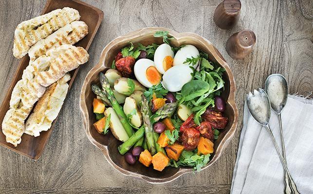 OCTOBER SALAD – Yum!! ❤️ Full of Organic seasonal produce > Recipe on our website.
