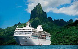 Paul Gauguin cruis ship - to Polynesia - Fatu Hiva