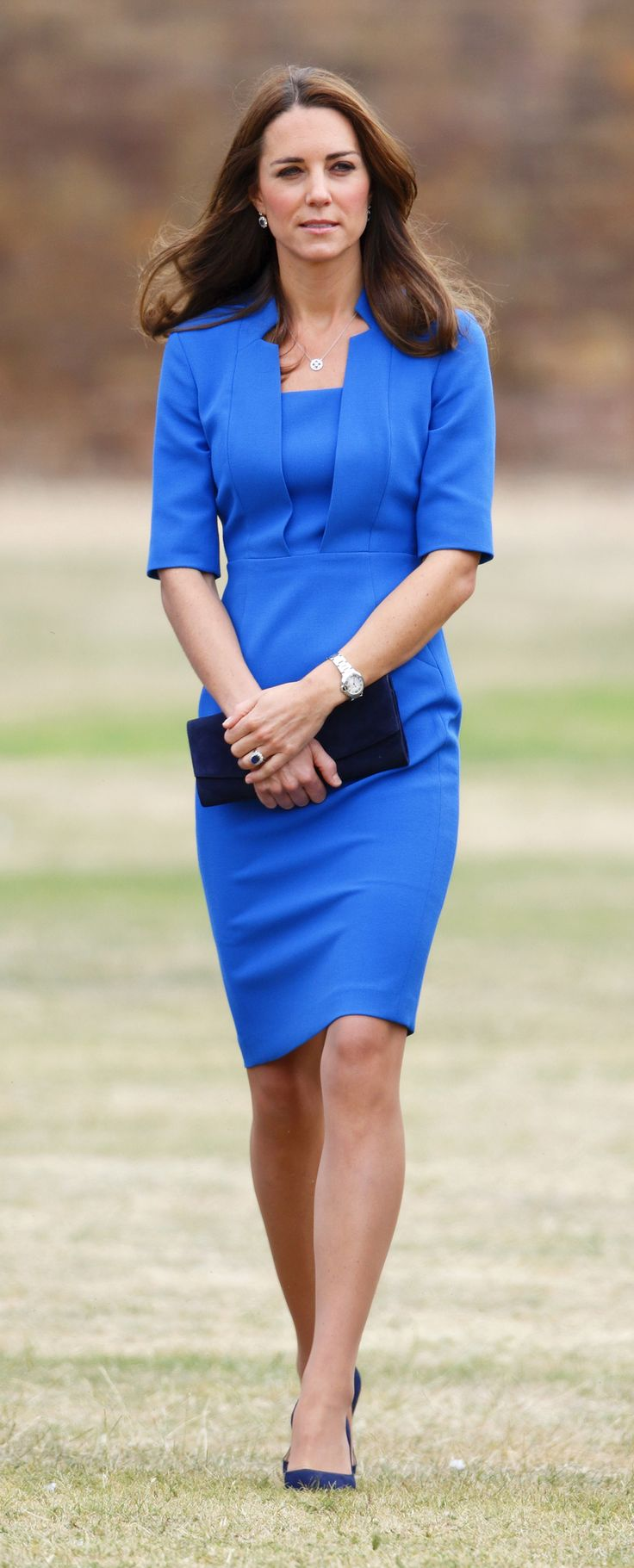 Kate stepped out wearing her 'Detroit' dress by LK Bennett, with new navy Jimmy Choo pumps. aol.it/UTIGOL via StyleList    79      7