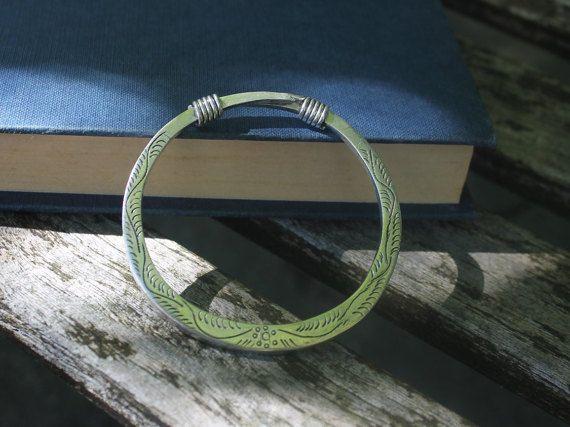 Handgemachte Miao Silber Armreif Armband von SkyesPurpleCloud