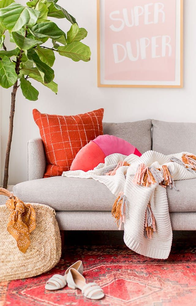 8 cheap but chic ideas to refresh your tired living room pretty interiors pinterest deco decoration and salon canape