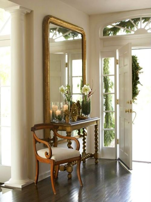 Love the simplicity of this foyer! So classic.