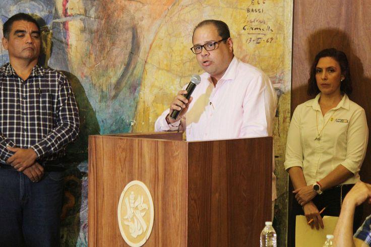 ] ACAPULCO, Gro., 24 de agosto de 2017. Gobierno de Acapulco El gobierno municipal de Acapulco que encabeza el alcalde Evodio Velázquez, cumplió con los criterios de la norma de calidad ISO 9001:2015, informaron los especialistas responsables de la primera auditoría externa de mantenimiento...