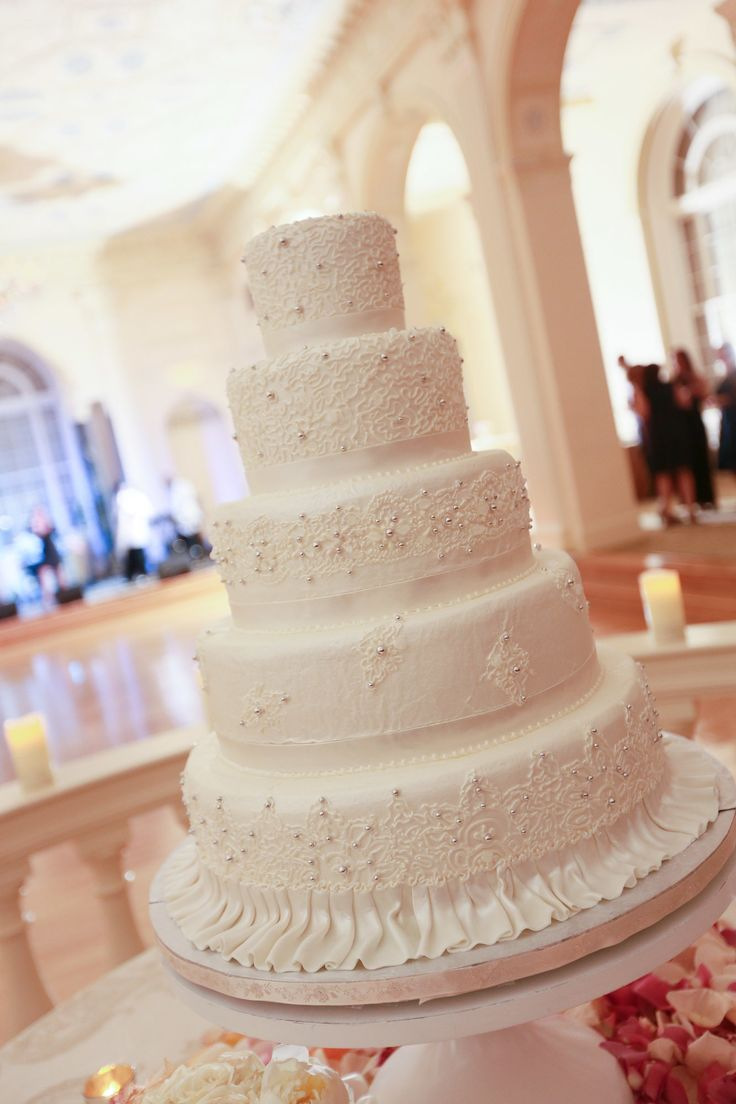 9 best Pretty wedding cakes images by Ancita Warrior on Pinterest ...