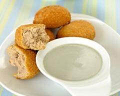 Nuggets de thon, sauce au bleu : http://www.cuisineaz.com/recettes/nuggets-de-thon-sauce-au-bleu-59078.aspx