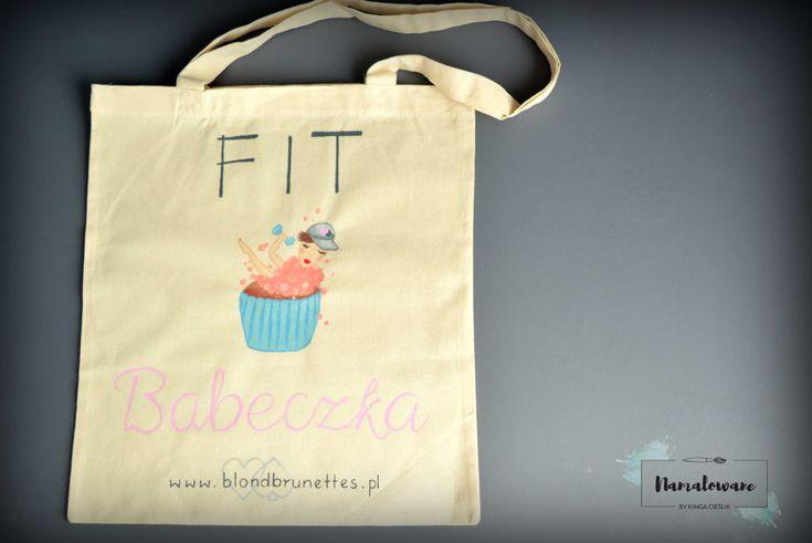 Ręcznie malowana torba z fit babeczką, malowana do konkursu. #torba #fit #babeczka #dlaniej #ecobag #kobieta #ręczniemalowane #namalowane #women #girl #bag #shopping #handpainted