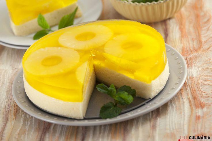 Receita de Pudim frio de ananás. Descubra como cozinhar Pudim frio de ananás de maneira prática e deliciosa com a Teleculinária!