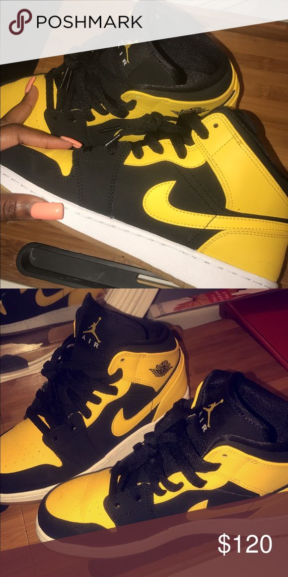 Bumble bee Jordan's Black and yellow. Size 5.5. Only worn twice. A little creasing in the front because they were to big for me. They run big so if you wear a 6 or 6 in a half in men these will fit you perfect. Jordan Shoes Sneakers