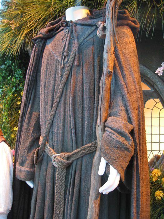 Everything Gandalf the Grey |AlleyCatScratch