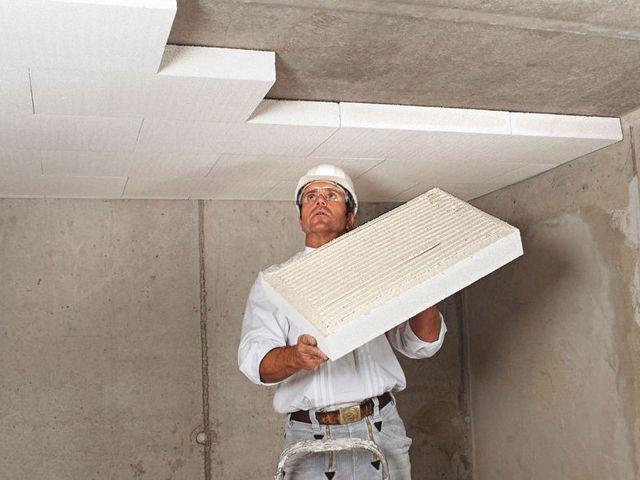Je vloer na-isoleren kan niet zonder breekwerken. Tenzij je een (kruip)kelder hebt. Dan kan je namelijk je vloer isoleren door je kelderplafond in te pakken. Maar hoe doe je dat? En met welke isolatiematerialen?