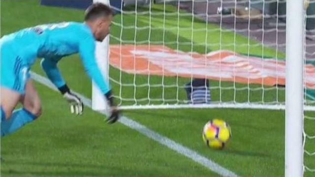 Betfair da por válido el gol de Messi en Mestalla y paga las apuestas por la victoria del Barça