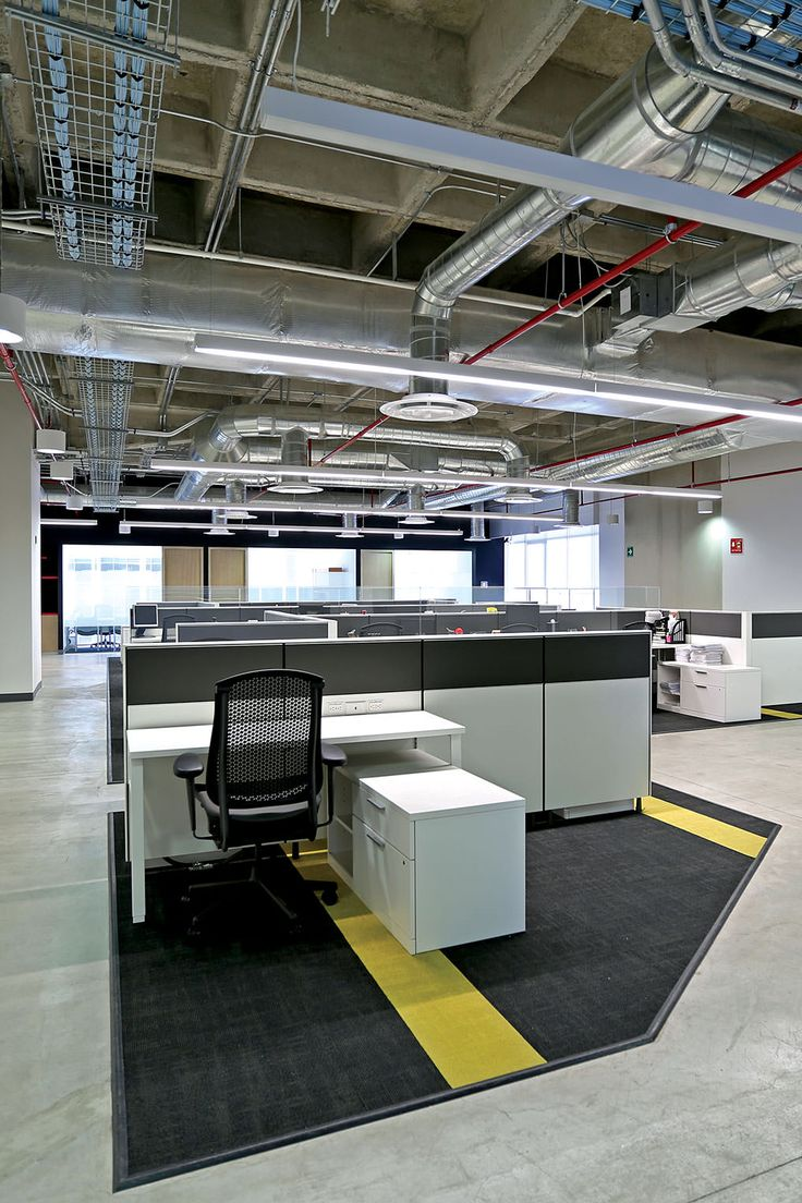 DHL | Diseño de Interiores | Interior Design   MOBILIARIO | Herman Miller Mexico CONSTRUCCIÓN | ATXK ILUMINACIÓN | H+T Iluminación y Diseño S.A. de C.V. UBICACIÓN | Ciudad de México ÁREA |  3,800 m² FOTOGRAFÍA | Cortesía de ATXK
