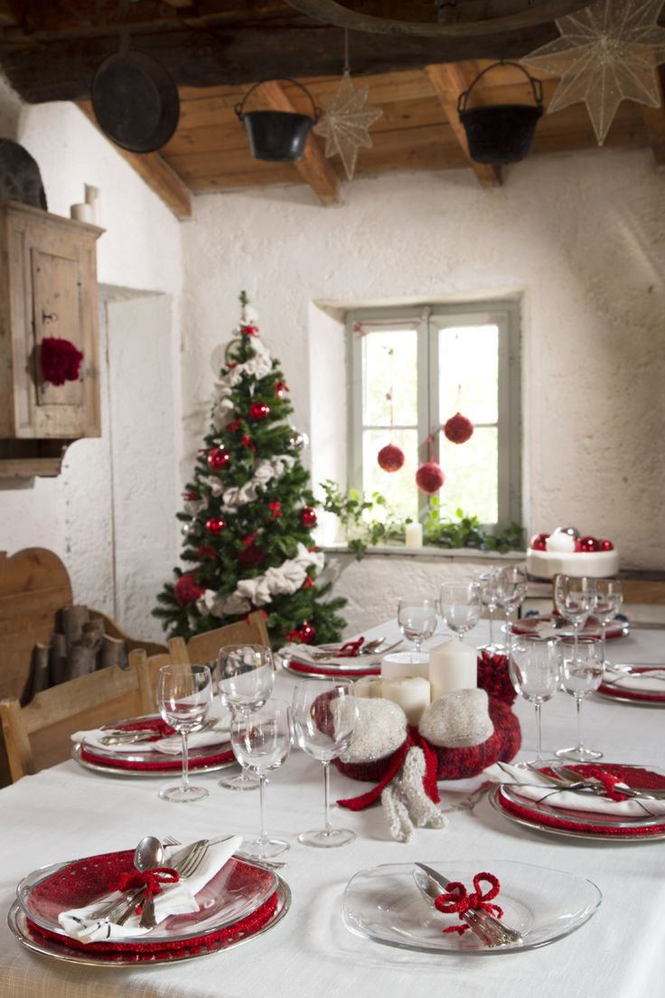 home sweet home! #christmastable #mondialhome #mondialtricot #lovely #oro #red #yarns