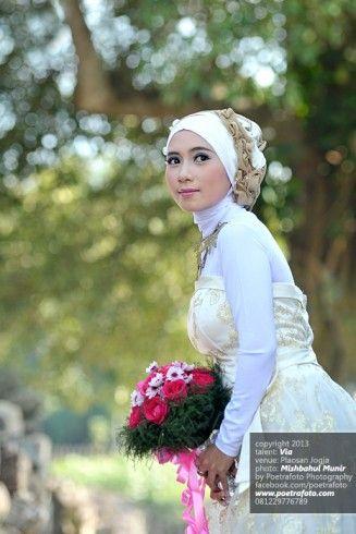 Foto Portrait Kebaya Pengantin Wanita Cantik by Poetrafoto Photography Wedding Photographer Indonesia Jogja Yogyakarta, http://portrait.poetrafoto.com/foto-portrait-kebaya-pengantin-wanita-muslimah-cantik_455