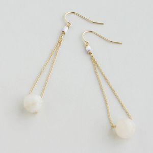 正規販売店♪送料無料♪【RueBelle Designs/ルーベルデザインズ】 Earrings 14k gold filled chain & findings moonstone fossilized shell カラー milky white & Gold【楽天市場】