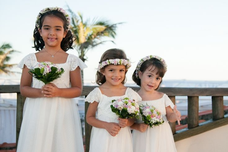 Casamento na praia: vestido das daminhas