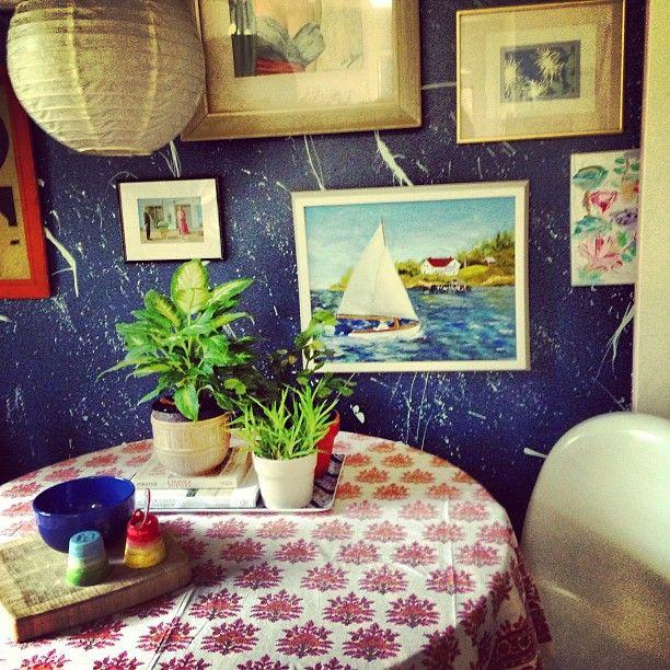 5b7a6b31b53fd9c5d4255f5c93c48809  dark blue walls dining room inspiration
