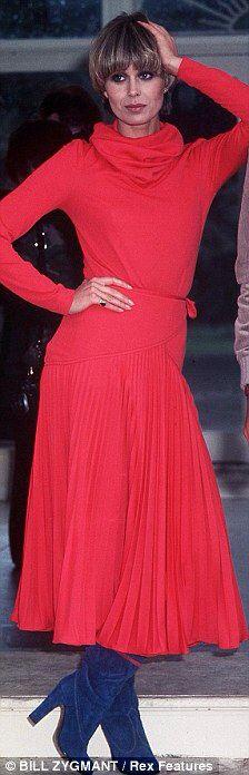 "Joanna Lumley - ""The New Avengers"" (TV 1976-77) - Costume designers : J. Murphy, B. Jackson & C. Buckley"