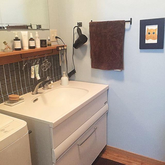 Kamiさんの Ikea 無印良品 洗面台diy 洗面所diy タイルシート 壁に付けられる家具 Marks Web ドライヤー収納 吊り下げ収納 Warhol ダイノックシート アイアンバー アイアンフック バス トイレ のお部屋写真 洗面所 タイル Diy 洗面台diy 洗面所 収納