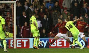Steve Sidwell scores dramatic winner for Brighton at Nottingham Forest
