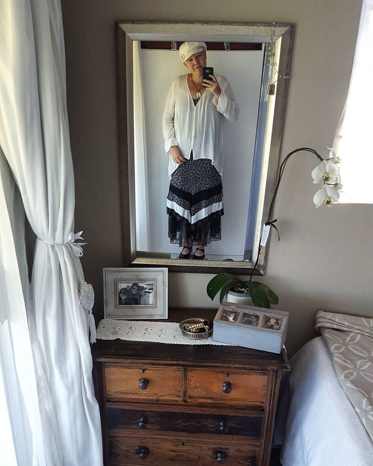My back from holiday work look, old tap shoes that I had souled. A old mesh #pettycoat a skirt fro @sharon.erasmus.33 , a cheese cloth shirt that my friend gave me and a poor boy hat. #showusyourpetticoat #tapshoes #poorboyhat #mondayootd