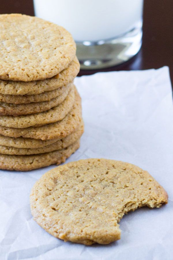 Flourless Peanut Butter Cookies For a fast and flourless PB fix.  #refinery29 http://www.refinery29.com/2016/11/127714/best-peanut-butter-recipes#slide-20