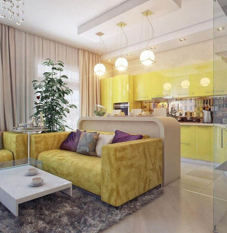 déco cuisine ouverte sur salon en jaune laqué, canapé droit en velours jaune et tapis shaggy gris