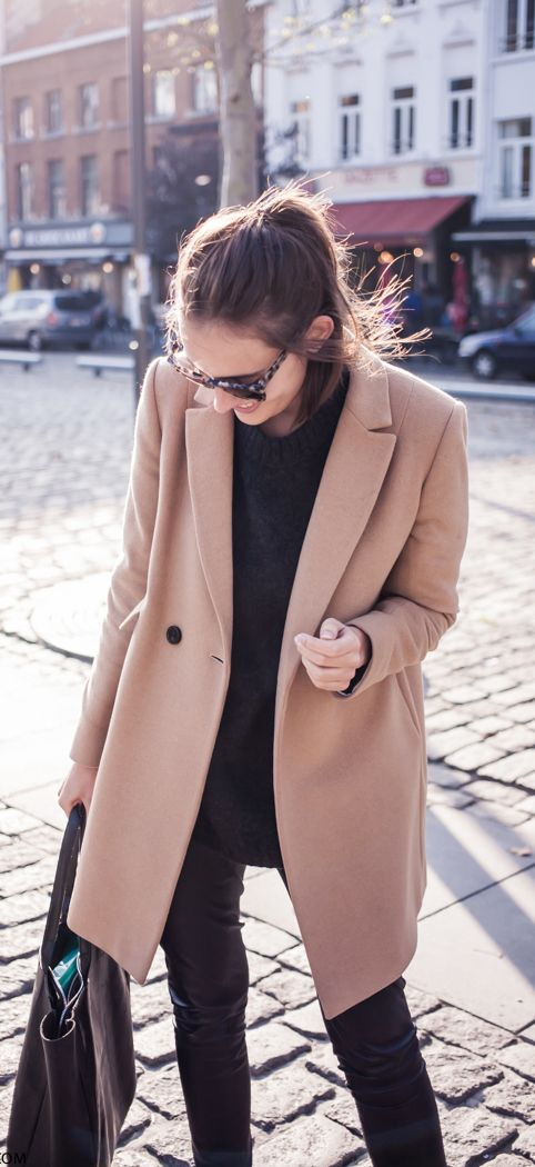 Paulien Riemis is wearing a camel coat from Massimo Dutti http://womanaccesories.space/shop/ashir-aley-beautiful-flowy-summber-chiffon-long-maxi-skirt